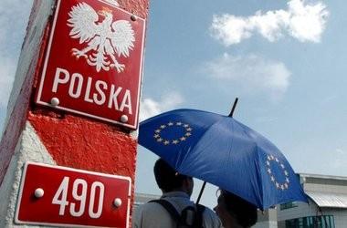 Польша отказывается принимать мигрантов после терактов в Париже